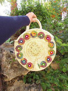 Round straw bag Medium size round basket Bohemian style