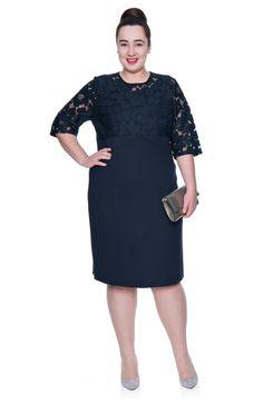 Granatowa sukienka z kwiatową koronką - Modne Duże Rozmiary