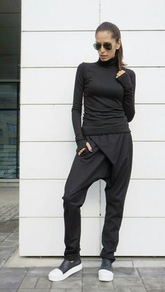 All black outfit women, harem pants, #ootd, street style