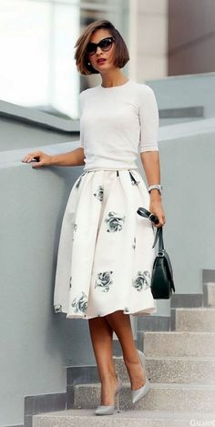 60 Charming Summer Work Outfits to be Fashionista in your Office - Outfit-Ideen - Summer Dress Outfits Flare Skirt Outfit, Midi Flare Skirt, Midi Skirts, Full Skirt Outfit, Floral Skirts, Full Skirts, Skater Skirt Outfits, Midi Skater Skirt, Skirt Outfits Modest