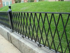 10 Metal Garden Fencing Ideas, Most of the Awesome and Lovely In order to have an excellent Modern Garden Decoration, … Metal Garden Fencing, Garden Railings, Metal Railings, Metal Fences, Porch Railings, Wrought Iron Fence Cost, Wrought Iron Gates, Split Rail Fence, Horizontal Fence