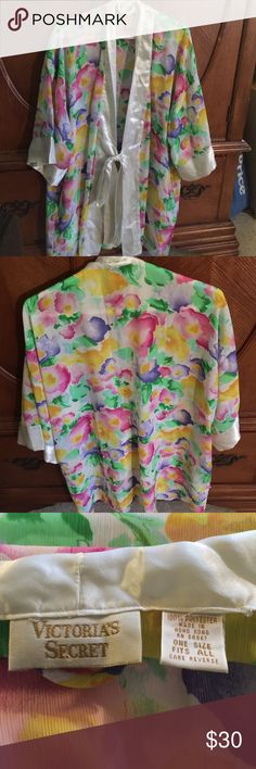 Victoria Secrets Kammy This one Size fits all no flaws One Size Fits All Like New Victoria's Secret Intimates & Sleepwear Robes