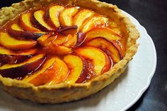 Peach tart in summer Italian Cooking, Italian Recipes, Crostata Recipe, Gourmet Recipes, Healthy Recipes, Apple Pie, Food Art, Tart, Meals