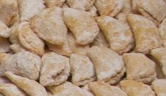 Připravte si výborné cukroví, které se jmenuje škeble. Tyto vánoční škeble se plní oříškovou náplní a chutnají úžasně. Vyzkoušejte recept!