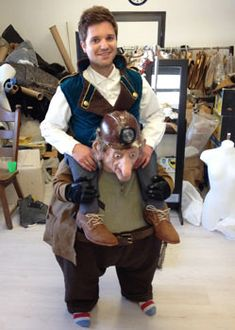 steampunk gnome piggyback costume made by Tentacle Studio (only make Sam carrying Frodo)