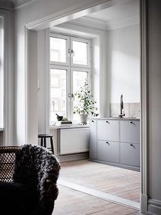 Sobert totalrenoverad ljus tvårummare ‹ Dansk inredning och design