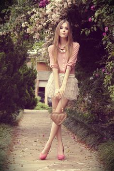 Clothing Style For Women: Romantic Clothing Style For Women