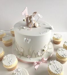 Browse through the different cakes we create here at The Pretty Sugar Cake Company, from Wedding Cakes & Wedding Favours to Celebration Cakes, to Cupcakes & Cookies. 1st Birthday Cake For Girls, Baby Birthday Cakes, Birthday Cake Design, 1st Bday Cake, Gateau Baby Shower, Baby Shower Cakes, Pretty Cakes, Beautiful Cakes, Baby Girl Cakes