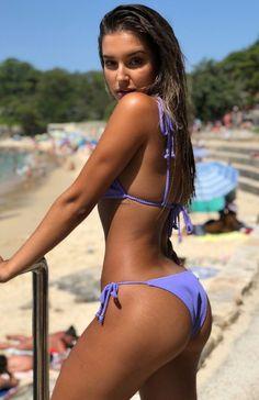 Sexy Bikini, Black Bikini Tops, Bikini Bottoms, Mädchen In Bikinis, Femmes Les Plus Sexy, Bikini Poses, Beach Poses, Cute Swimsuits, Summer Pictures
