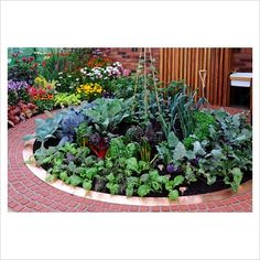 Garden plans and ideas a circular raised bed garden plan for Circular raised garden bed ideas