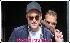 Robert Pattinson Chegando e Saindo Do Bowery Hotel Em Nova York - 17.06.2014 Robert Pattinson é visto saindo e chegando do seu hotel, na terça-feira (17 de junho), em Nova York. O ator Inglês fez uma aparição no Good Morning America para promover seu novo filme The Rover, que chegou aos cinemas de Nova York na sexta-feira 20 de junho. Confira as imagens abaixo.