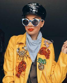 Pana pe 1 Mai aveti reducere 10%  la un singur produs cumparat 20% reducere   la doua produse cumparate reducerea se aplica la  produsul cu pretul cel mai mic dintre cele doua si 50%  la trei produse achizitionate reducerea se aplica la produsul cu pretul cel mai mic dintre cele trei achizitionate.  #handmadebygeorgetadinca #crab#lobster #brooch#brosa#accesorii#fashion #romania#madeinro#accesorii#madeinromania#designer  #designeriromani #bijuteriihandmade #fashionista  #fashionblog… Round Sunglasses, 1 Mai, Handmade, Fashion, Moda, Hand Made, Round Frame Sunglasses, Fashion Styles, Fashion Illustrations