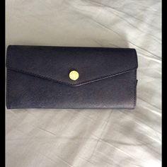 MK wallet MIchael kors Navy Wallet! Preloved! Like New!NO TRADES! Michael Kors Bags