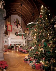 See our insider's guide to Christmas at Biltmore Estate in Asheville with photos of decorations and candlelight tours in Biltmore House, and top things to do.