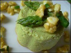 Flan of Green Asparagus and Parmesan; Food N, Food And Drink, Parmesan, Easter Recipes, Guacamole, Hummus, Asparagus, Buffet, Vegetarian Recipes