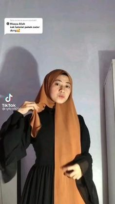 Hijab Turban Style, Mode Turban, Simple Hijab Tutorial, Hijab Style Tutorial, How To Wear Hijab, Ways To Wear A Scarf, Islamic Fashion, Muslim Fashion, Iranian Women Fashion