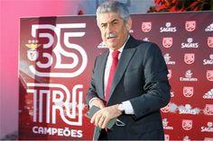 A Polícia Judiciária está a investigar os presentes oferecidos a árbitros nas três épocas em que o Benfica se sagrou campeão nacional de futebol.