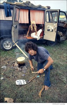 Forgotten Woodstock: Never Seen Before Images of the Greatest Rock Concert of all Time! - Page 59 of 81 - History Hole 1969 Woodstock, Woodstock Festival, Woodstock Hippies, Woodstock Music, 70s Aesthetic, Blues, Joe Cocker, Hippie Lifestyle, Hippie Culture
