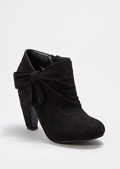 Black Wrapped Bow Shootie | rue21