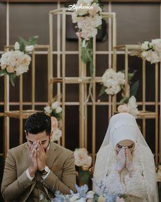 """825 Beğenme, 1 Yorum - Instagram'da Moslem Wedding (@aspherica): """"""""Tidak ditemukan jalan lain bagi dua orang yang saling mencintai, selain menikah."""" (HR. Ibnu Majah)…"""""""