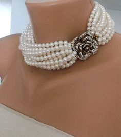 Hey, I found this really awesome Etsy listing at https://www.etsy.com/listing/228187979/light-ivory-pearl-collar-with