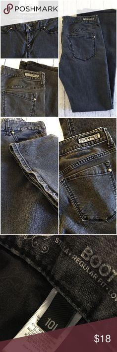 "Express Stella boot cut jeans, size 10 L, stretch Express Stella boot cut jeans, black wash/ dark gray, size 10 long 33"" inseam, stretch, super comfortable🖤👌🏼 Express Jeans Boot Cut"