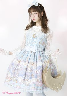 Risa Nakamura in the new Eternal Carnival print by Angelic Pretty. As always, Risa looks stunning!