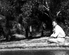 Hemingway by the pool, Finca Vigia.