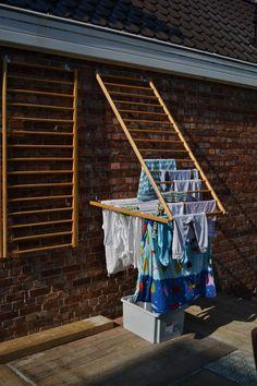 home accessories decor 741264419907308622 - Ik las net een artikel over uitstelgedrag in De Morgen. Net als zovelen heb ik er ongelooflijk veel last van. Maar ik kan wel met enige t… Diy Shoe Rack, Shoe Racks, Clothes Drying Racks, Diy Clothes Rack, Clothes Dryer, Hanging Clothes, Laundry Room Design, Clothes Line, Home Organization
