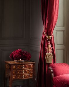 Photos of chateau de villette | THE HERITAGE COLLECTION Curtains And Draperies, Home Curtains, Interior Decorating, Interior Design, Classic Interior, French Decor, Home Decor Trends, Beautiful Interiors, Victorian Homes