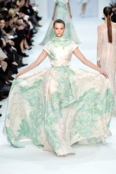 Elie Saab Spring 2012 Couture --Reminds me a vintage picture of my Grandmother. I wish I had her clothes today!
