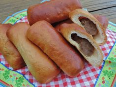 Sausage rolls from our own oven - Lekker Tafelen - Hot Dog Buns, Hot Dogs, Sandwiches, Sausage Rolls, Sausage Recipes, Baking Recipes, Oven, Lunch, Bread