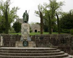 7 PORTUGAL - Castelo de Guimarães, D. Afonso Henriques - 1st King of Portugal