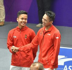 Kumpulan OneShoot dan fakeig Jonatan Christie x Anthony Sinisuka Ginting.Jojo x Bott! Poker Texas, Asian Games, Antara, Badminton, Adidas Jacket, Dan, Athlete, Windbreaker, Boys