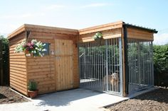 Best Photo Latest Photos indoor outdoor kennels large dog kennels for outside in. Best Photo Latest Photos indoor outdoor kennels large dog kennels for outside in… Best Photo Lat Dog Kennel Cover, Diy Dog Kennel, Kennel Ideas, Dog Enclosures, Indoor Outdoor, Cheap Dog Kennels, Outdoor Dog Kennels, Dog Kennel Designs, Dog House Plans