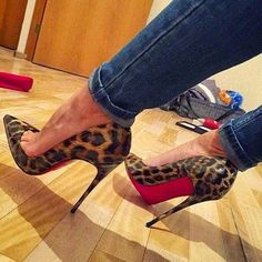 The best part about spring? The right to bare ankles http://api.shopstyle.com/action/apiVisitRetailer?id=488704383&pid=uid1209-1151453-20  #louboutin #heels @LouboutinWorld htt…