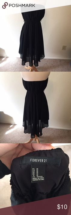 Black Asymmetrical Dress Gorgeous strapless dress with a very flowing skirt. Size medium, best fits a small. Used, no flaws. Forever 21 Dresses Midi