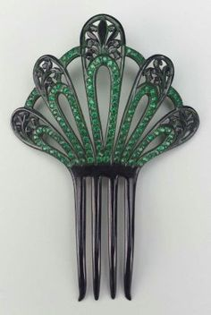 Comb, American, First half 20th century. Museum of Fine Arts, Boston.