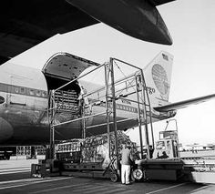 N771PA. Pan Am Cargo Qantas - in the old livery at Sydney Airport, 1976.