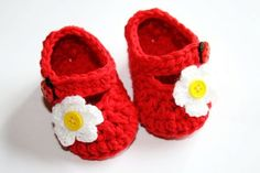 Crochet cotton red baby girl shoes mary janes booties slippers with white sparkly flower and yellow button center shower gift photo prop