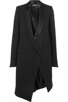 Black wool-blend bouclé and satin Concealed button-fastening tab at front 60%…