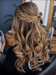 10 Most Popular Half Up Half Down Curly Hairstyles : Trendy Hairstyles For Women Down Curly Hairstyles, Box Braids Hairstyles, Formal Hairstyles, Wedding Hairstyles, Popular Hairstyles, Hairstyle Ideas, Hair Ideas, Bridesmaids Hairstyles, Updo Curly