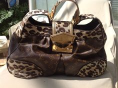 Authentic $3500 Louis Vuitton Limited Edition Leopard PONY Monogram Polly Hobo. #LouisVuitton #Hobo