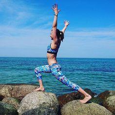 Que guay disfrutar del finde como lo hace @juliajogs Namaste! #yoga #yogapose #ropadeportiva