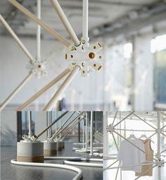 ATOM //  El concepto general se basa en una conexión fácil (rápida construcción y desmontaje), diseño pensado como los códigos estructurales del Atomo. Se puede crear una serie de estructuras geométricas infinitas y ofrece un alto grado de modularidad.   http://bonsoirparis.fr/