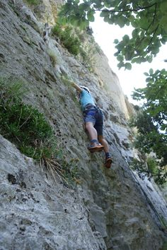 Stage d'escalade pour enfants à Omblèze - activités à Rando's Valley