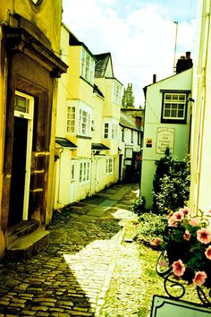 Oxford....the walk into Turf Tavern!