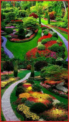 garden design 12 Outstanding Formal Garden Ideas For Fall Most Beautiful Gardens, Beautiful Flowers Garden, Unique Gardens, Amazing Gardens, Beautiful Nature Wallpaper, Beautiful Landscapes, Dream Garden, Garden Art, Formal Garden Design
