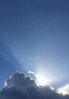 Gitta | Energyflow #Synchroonkijken Dag 3 Snelheid van de natuur. Zo heb je zon, zo zie je alleen de stralen..