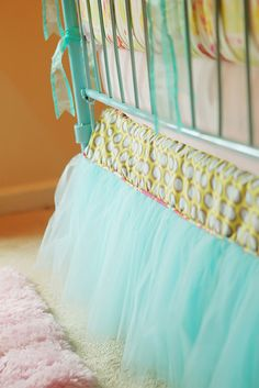 DIY bedskirt idea. cute for girls room- need someone to make me one for C's bed in pink or even this blue would work. Any takers?